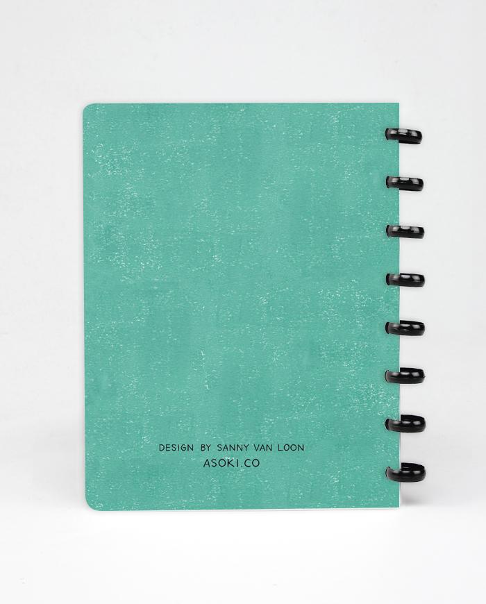 Grünes Cover des wiederverwendbaren und löschbaren Asoki Planers mit schwarzer Ringbindung