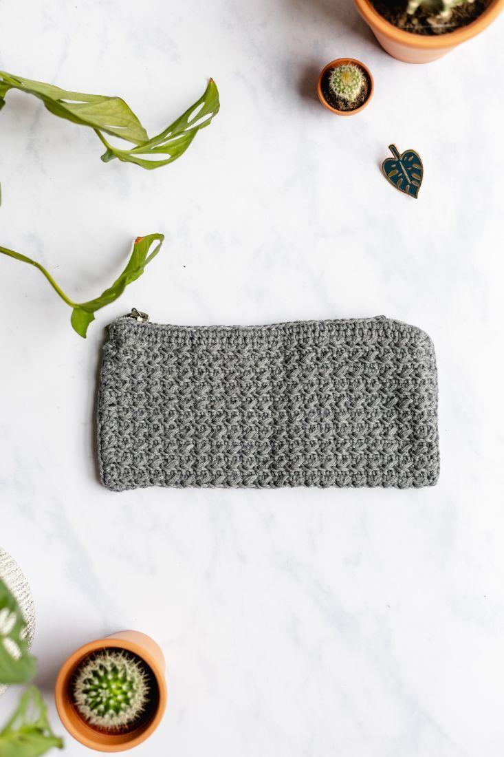Handgefertigte Baumwoll-Federtasche grau